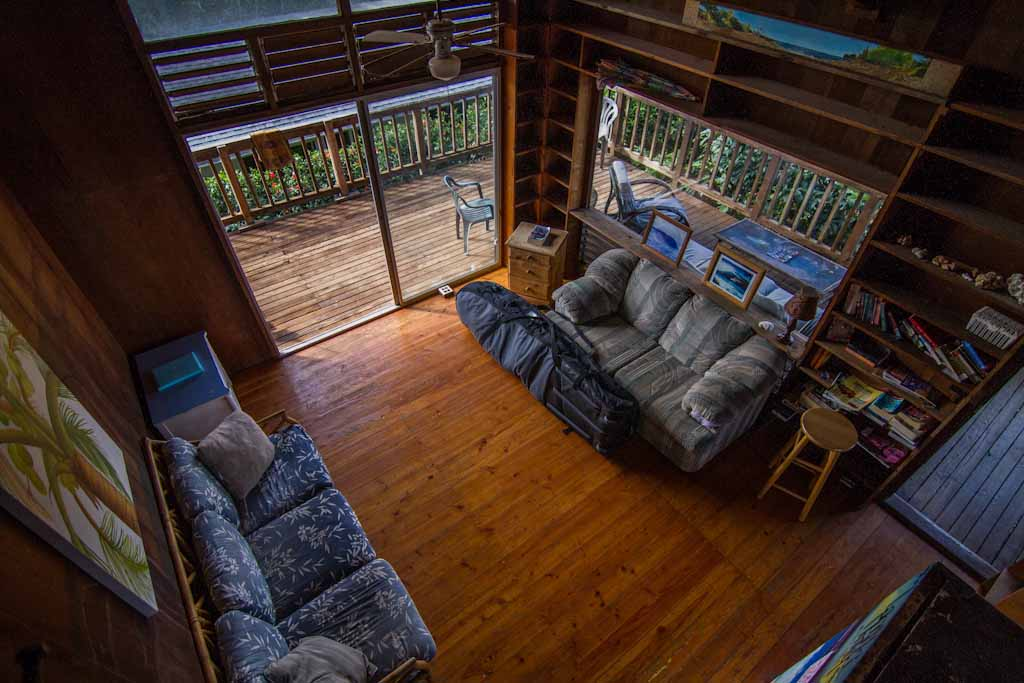 Brown Back House Backpackers Hawaii North Shore Interior